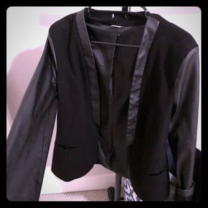 Black blazer with faux leather arms - US 10